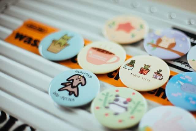 pin makers